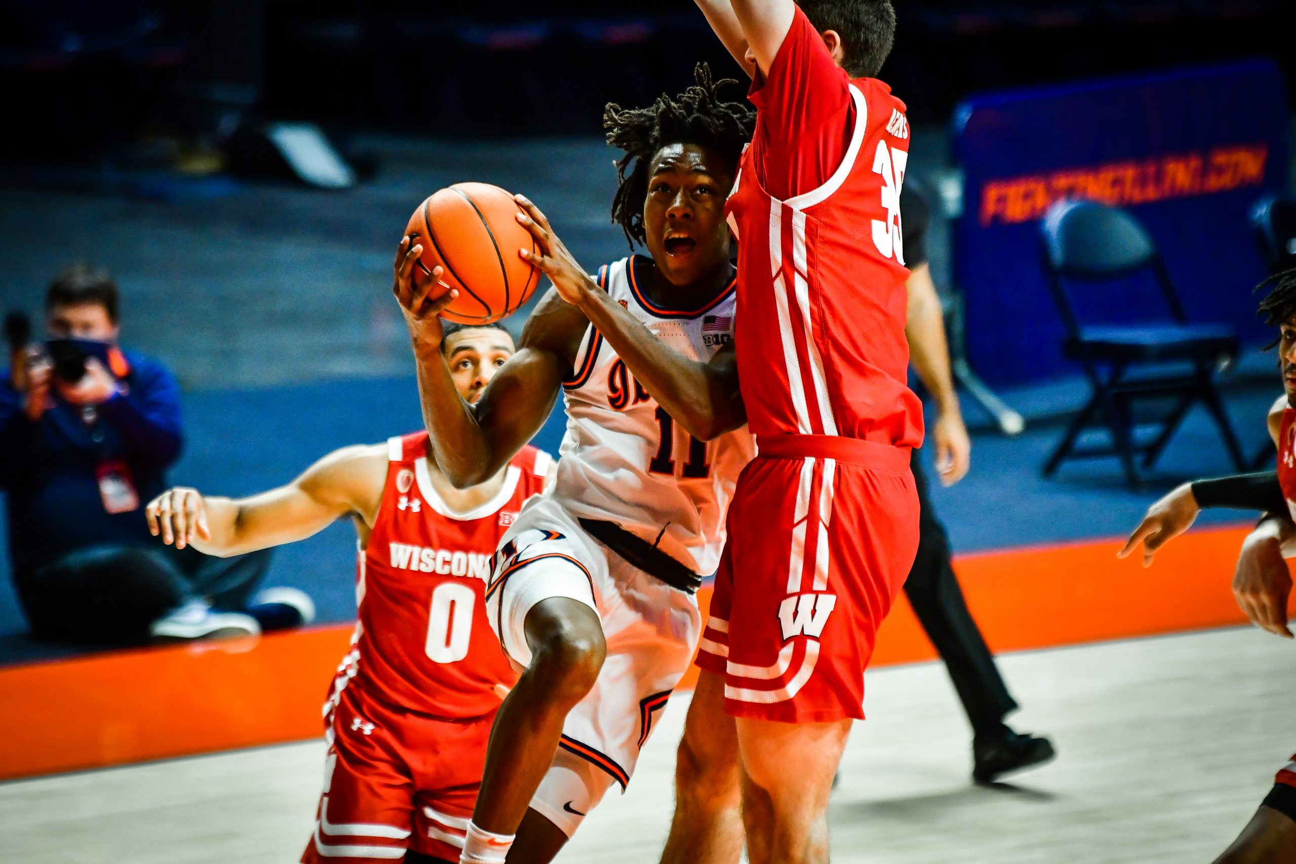 Ayo goes for a triple-double as Illini soar past Badgers, 75-60