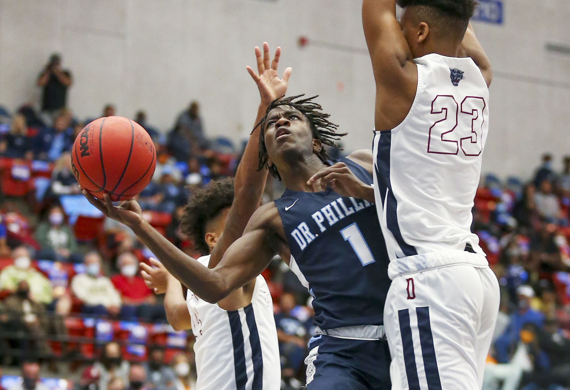 Shooting guard receives an Illini offer
